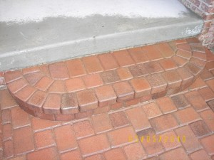 BRICK PAVER STEP, ROUND CORNERS